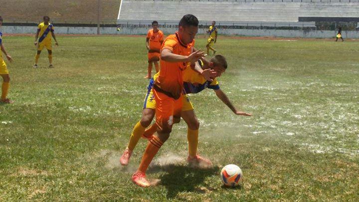 Futebol de areia no Augustinho Lima.
