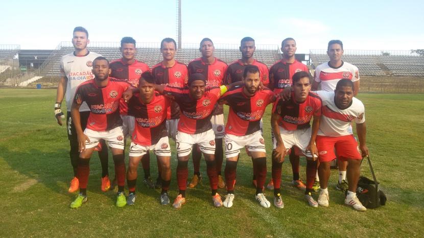 Atlético Taguatinga, de camisa nova, reassumiu a liderança.